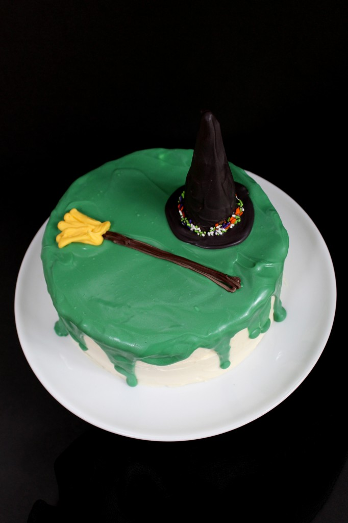 Melted Witch Cake|The Crafting Foodie