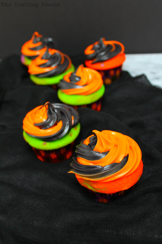 Colorful Halloween Cupcakes|The Crafting Foodie