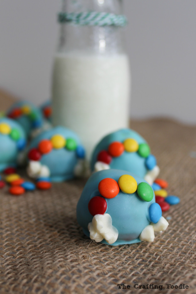 Rainbow Cake Pops with M&M's|The Crafting Foodie