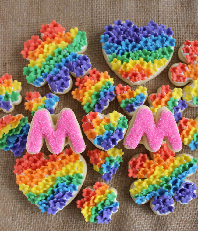 Rainbow Fondant Flower Sugar Cookies|The Crafting Foodie