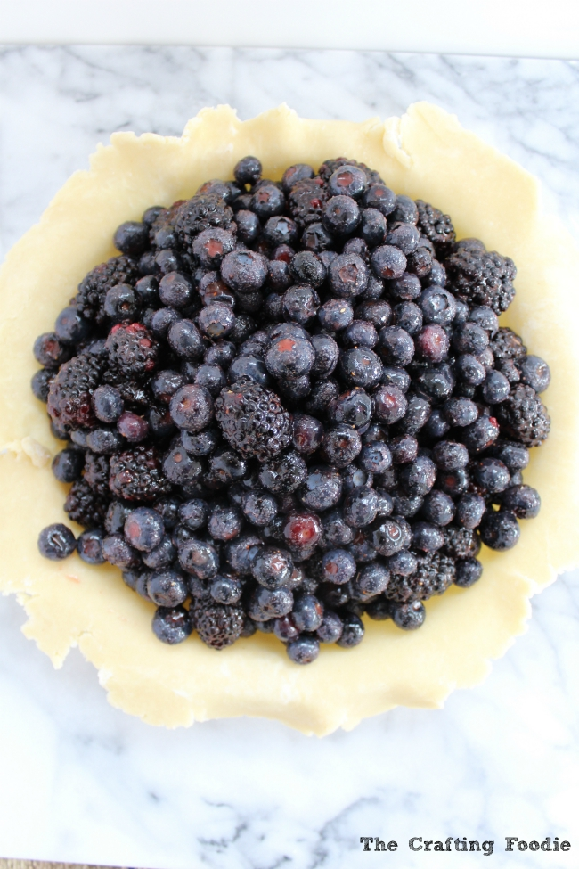 Blueberry Blackberry Pie with All-Butter Crust|The Crafting Foodie