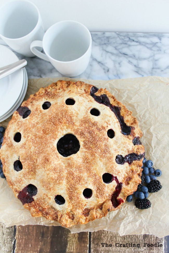 Fresh Blueberry Blackberry Summer Pie|The Crafting Foodie