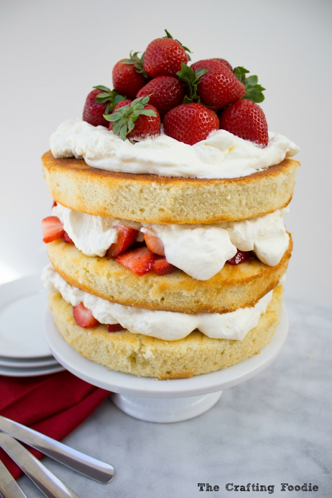 Strawberries and Cream Cake|The Crafting Foodie