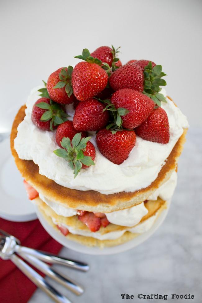 Strawberry & Cream Cake|The Crafting Foodie