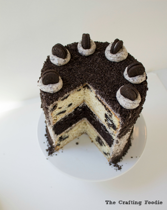 Oreo Cake with Oreo Frosting|The Crafting Foodie