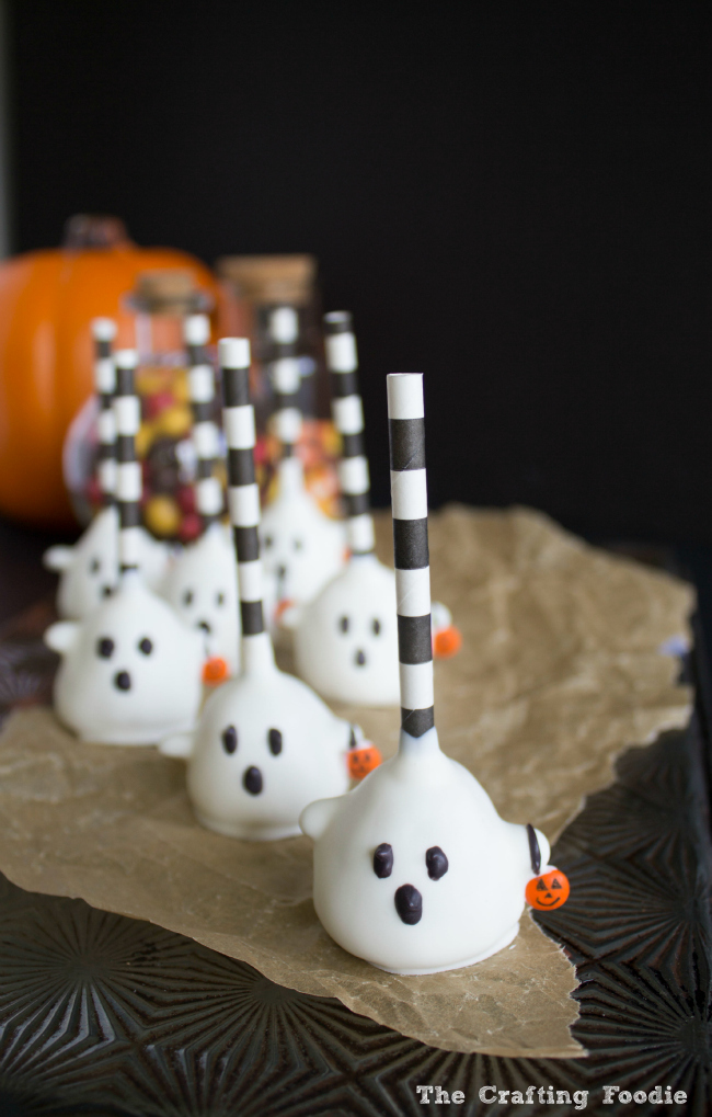 Trick Or Treat Ghost Cake Pops for Halloween|The Crafting Foodie