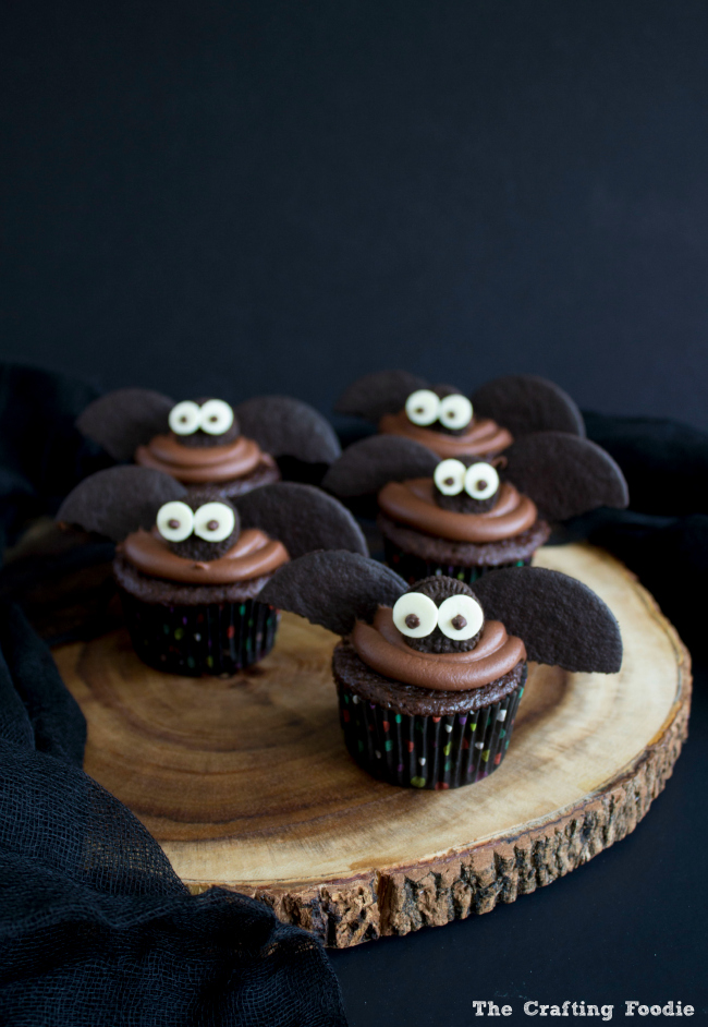 Halloween Bat Chocolate Cupcakes|The Crafting Foodie
