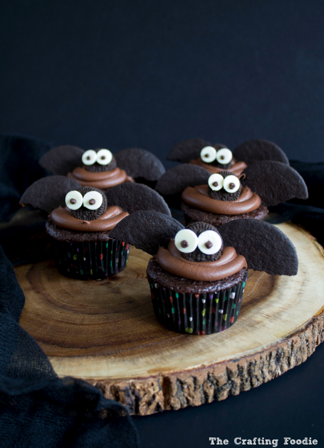 Halloween Bat Cupcakes|The Crafting Foodie
