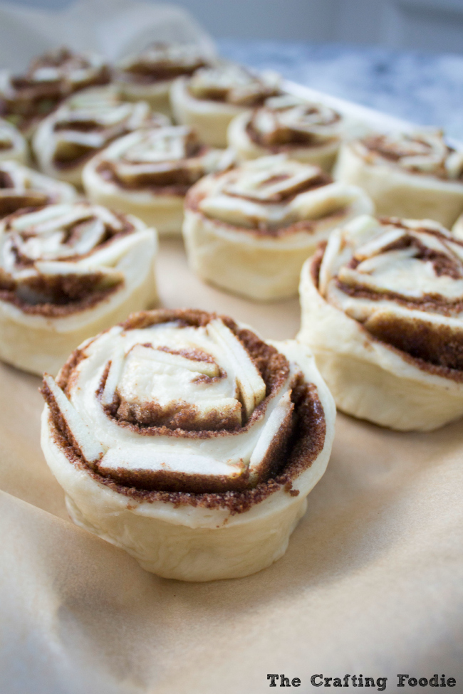 Apple Cinnamon Rolls with Nutmeg Glaze|The Crafting Foodie