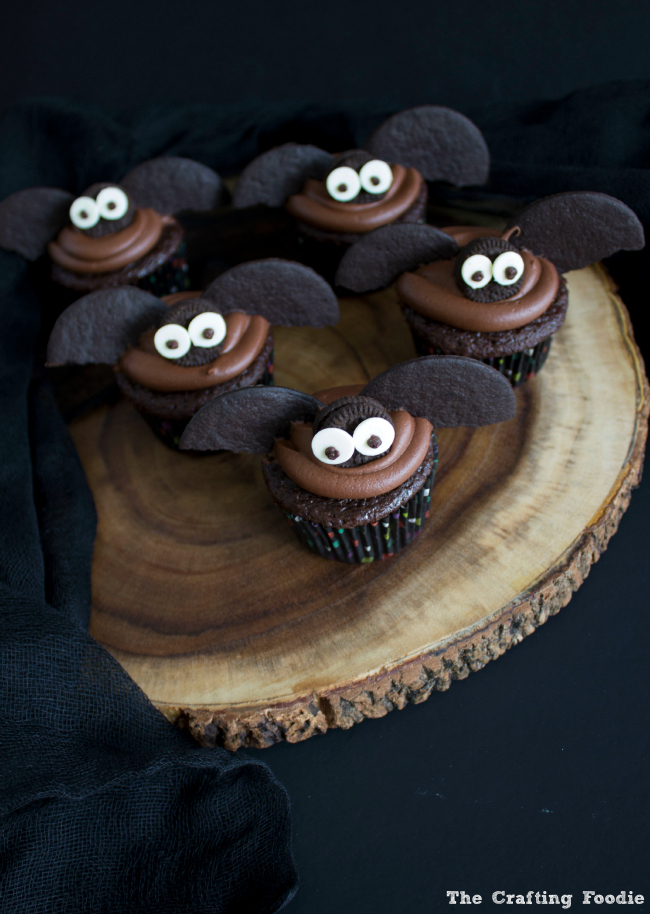 Bat Cupcakes for Halloween|The Crafting Foodie