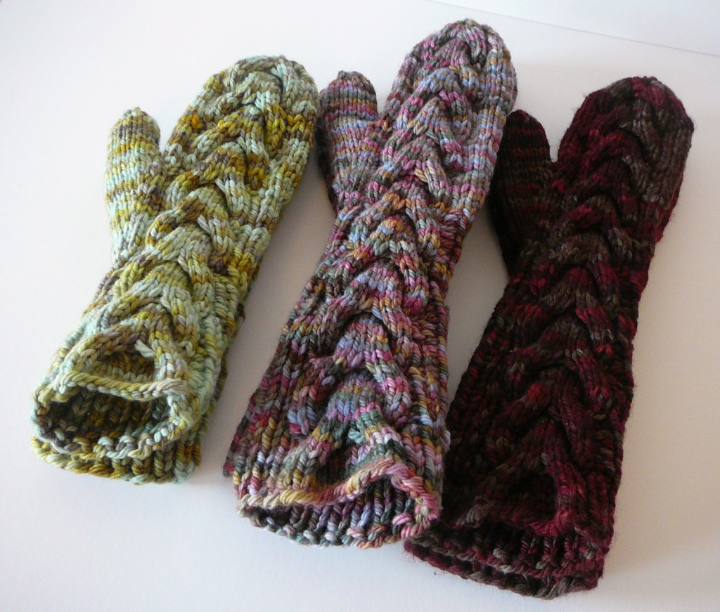 Horseshoe Cable Knit Mittens and Knitting Cables Without a Needle