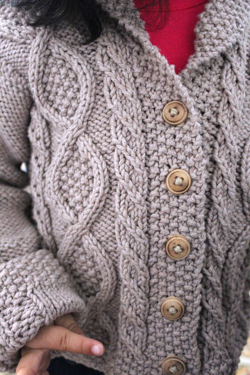Cable Cardigan | The Crafting Foodie