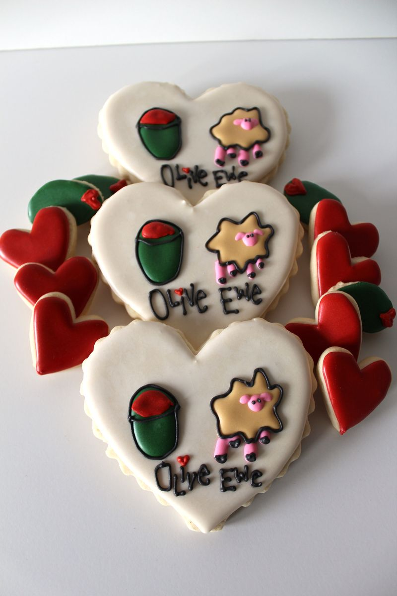 Olive Ewe Sugar Valentine's Day Cookies| The Crafting Foodie
