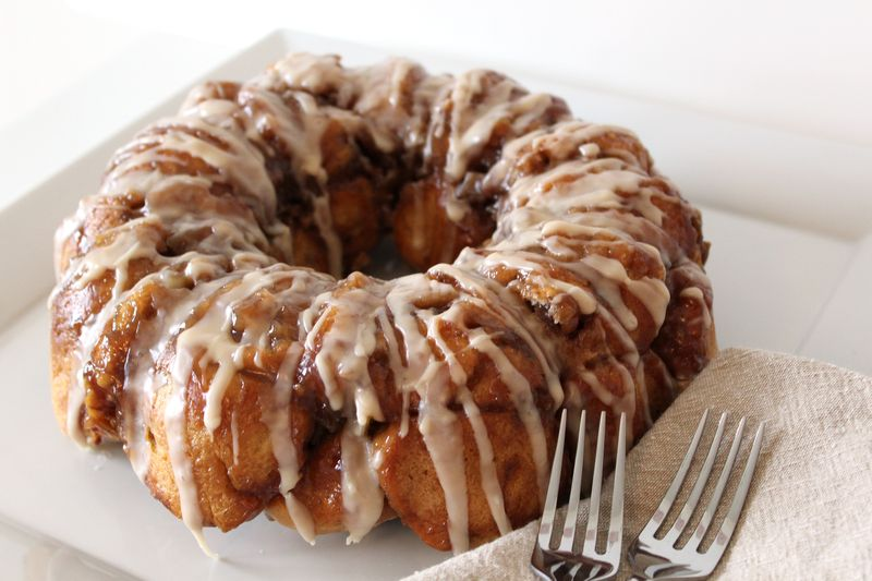 Pull Apart Bread Filled with Apples and Walnuts | The Crafting Foodie