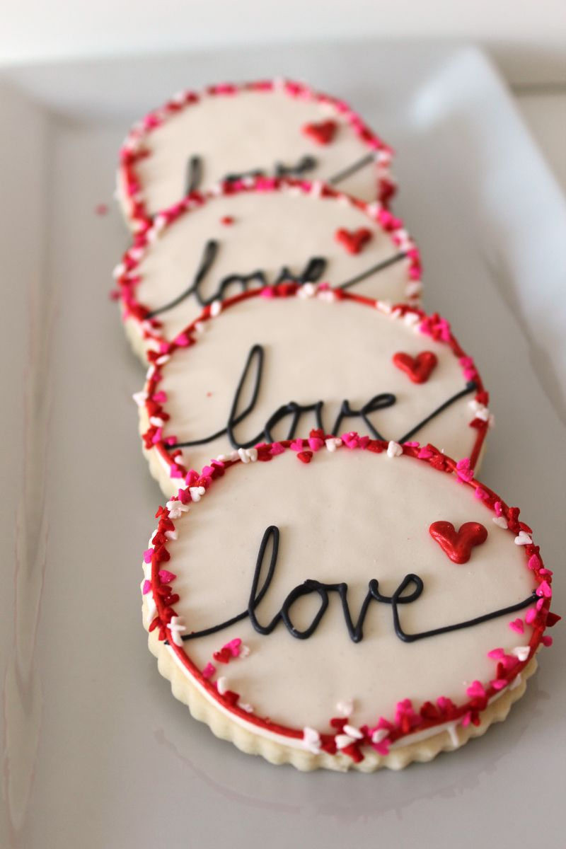 Heart-Themed Cookies Valentine's Day | The Crafting Foodie