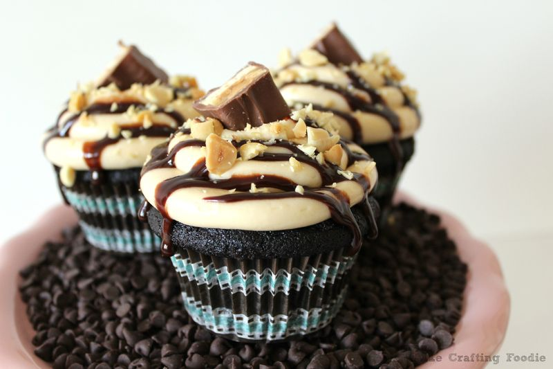 Chocolate Snickers Cupcake|The Crafting Foodie